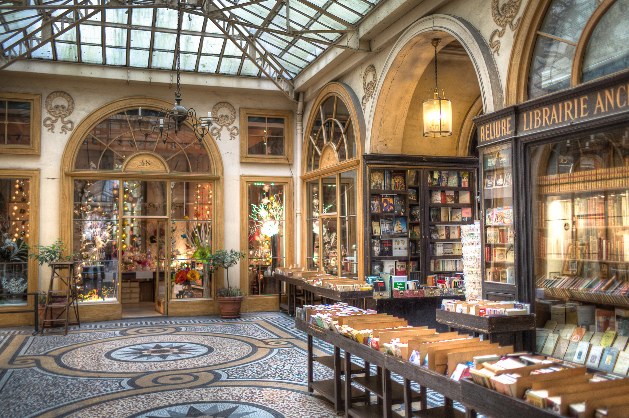 Galerie Vivienne at night. Photo by Chris Chabot via Flickr Creative Commons.
