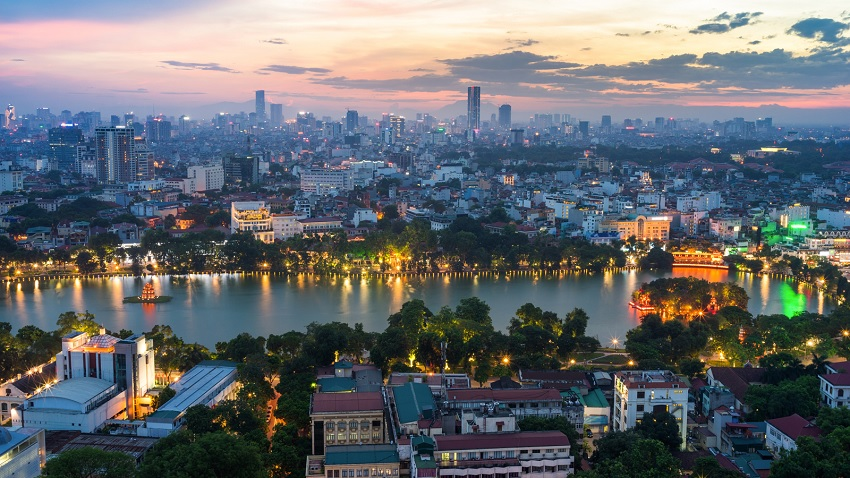 Wonderful view of Hanoi and it's most popular lake. Not the only one, tho. There are many many many lakes around the city. | Foto via Hotel Designs.