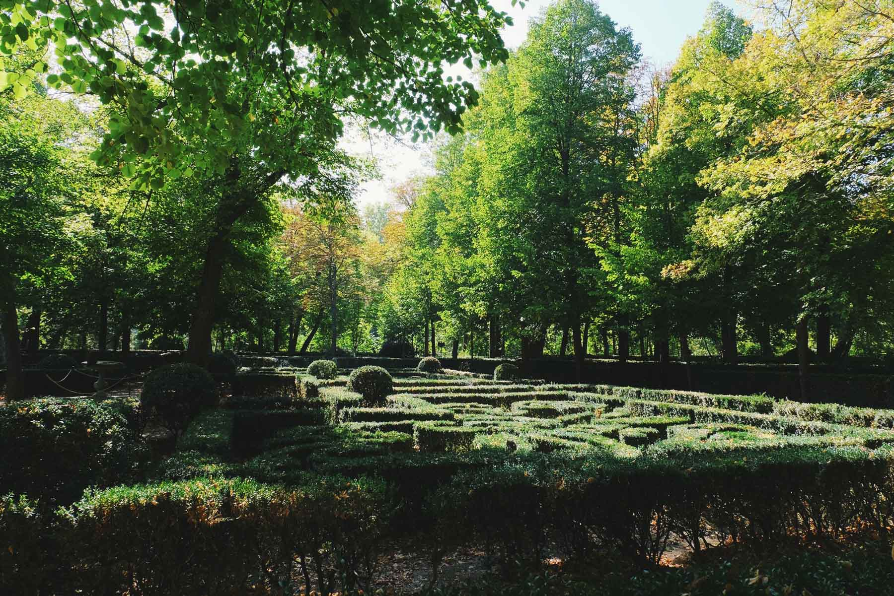 Uno de los laberintos del jardín. / One of the labyrinths of the garden. They were inspired by Versailles.